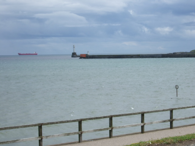 View towards north wall of Aberdeen Harbour entrance