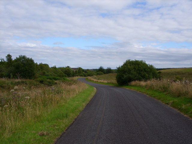 Minor Road looking towards Kirkcalla Farm