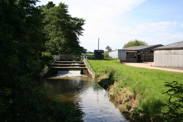 Mill Farm weir