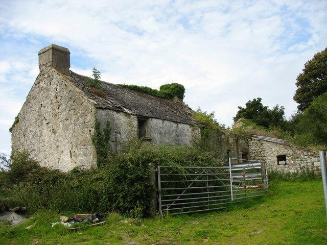 Derelict farmhouse at Fagwyr Fawr