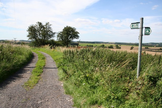 Footpath to Vale Farm