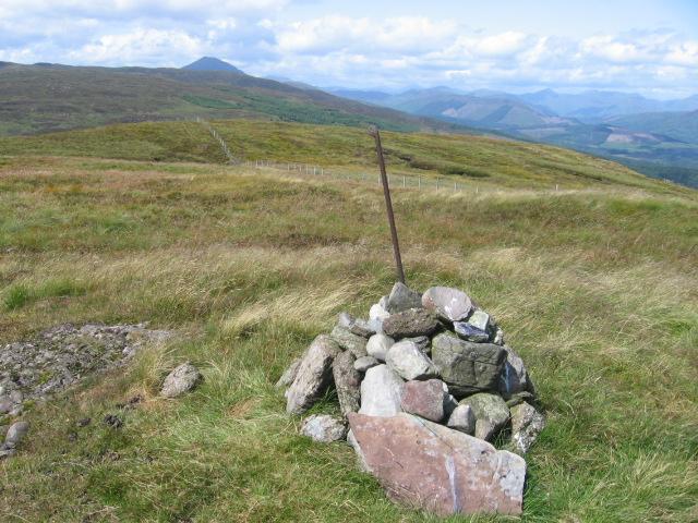 Gualann cairn towards Ben Lomond