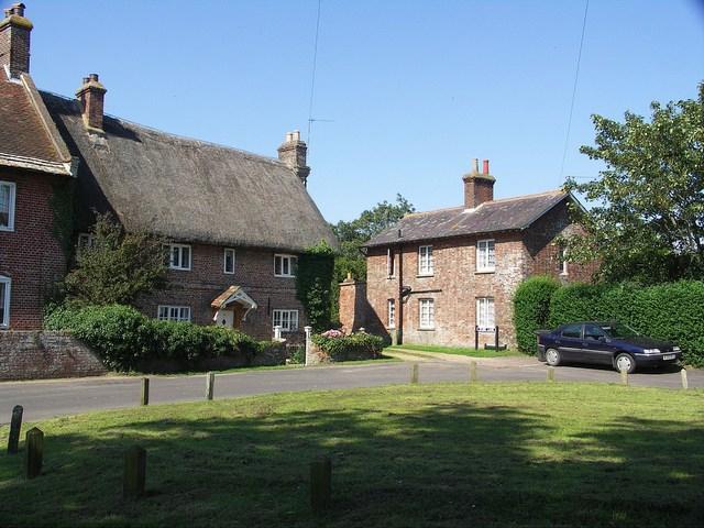 Cottages in Holdenhurst Village