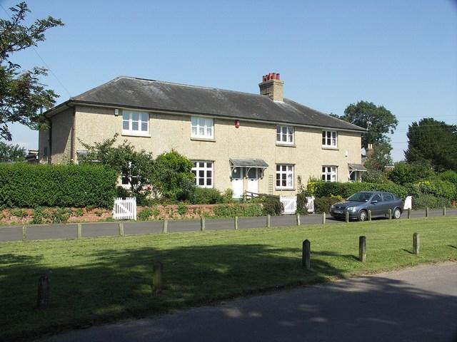Elm Cottages, Holdenhurst Village