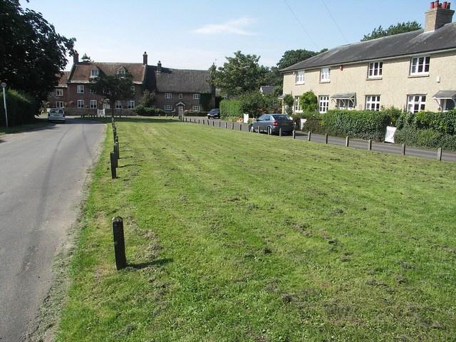 Village Green, Holdenhurst