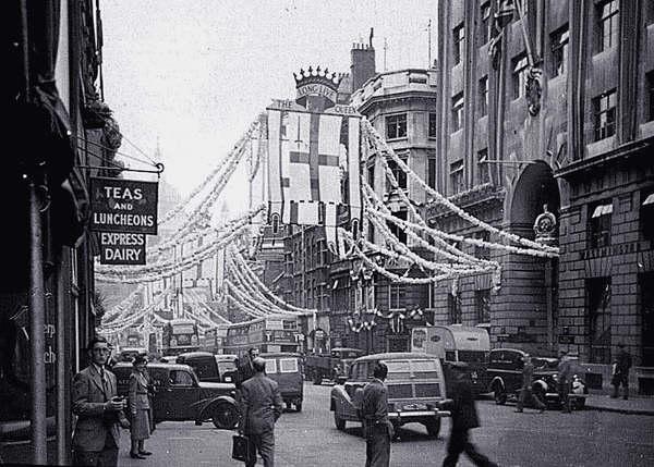 Fleet Street during 1953 Coronation