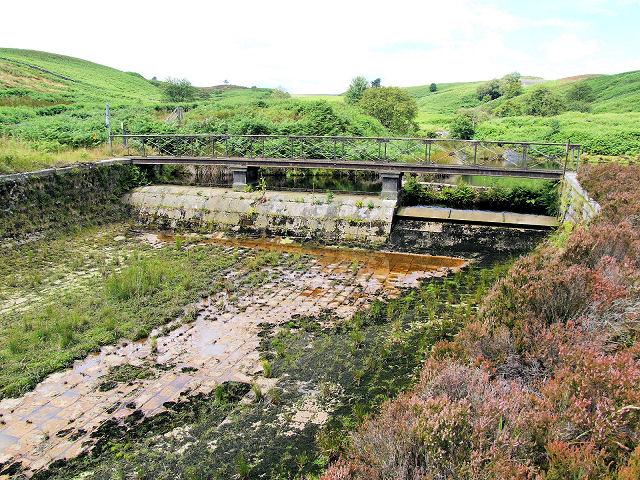 Sluice gate, Lower Barden Reservoir