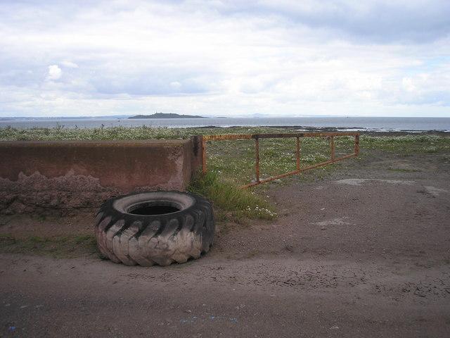 A gap in the coastal defences!