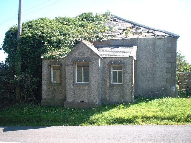 Derelict building at the Lhen