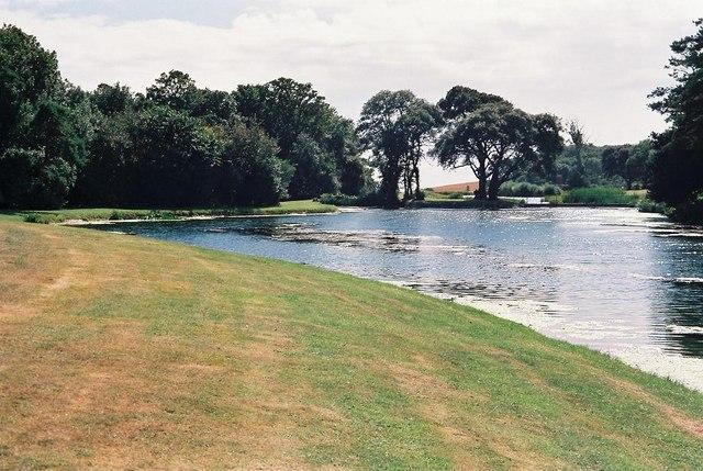 Encombe House: pond