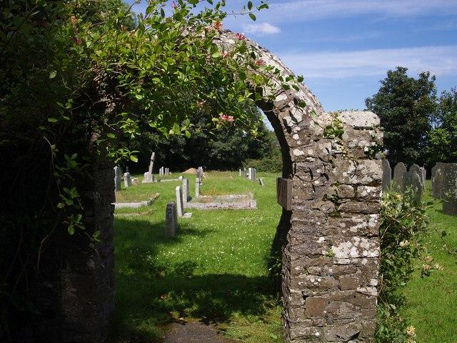 Arch, Thornbury churchyard