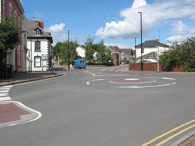 Double mini roundabout at Fiveways