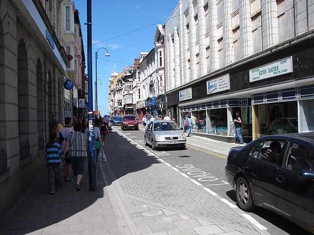 Ffordd y Mor / Terrace Road