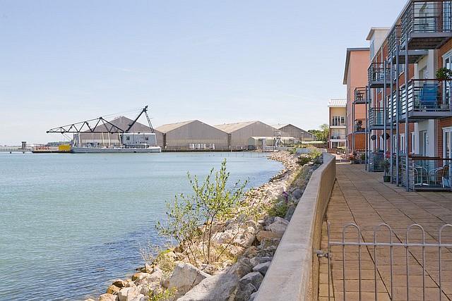 Housing along Hythe waterfront, off Selman Close