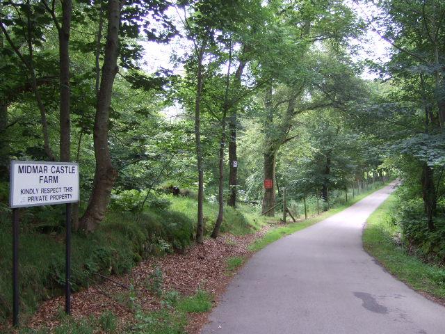 Road to Midmar Castle