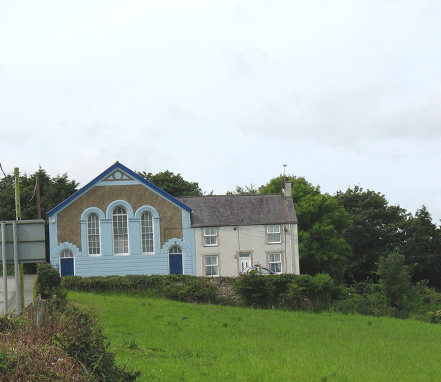 Capel Berea (Annibynwyr/Independents) and chapel house