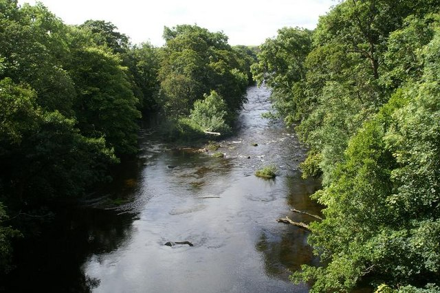 View from the bridge over the Isla below Den of Airlie
