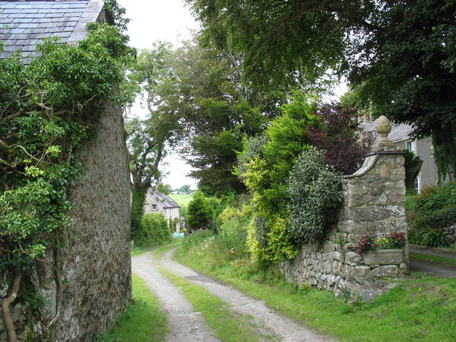 Farm road at Plas Penmynydd with public ROW along a section of it