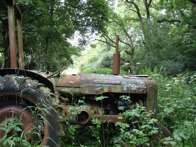 A superannuated Fordson Super Major at the end of the lane