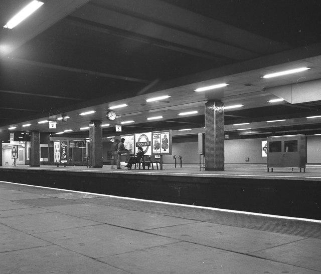 Moorgate Underground station, London