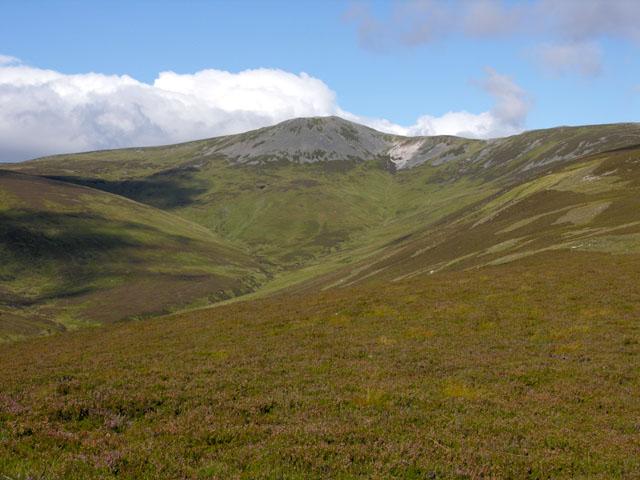 Upper slopes of Fàire Clach-ghlais