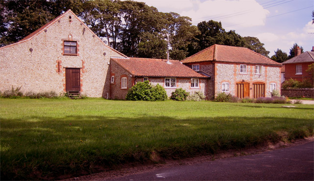 Swan Lodge on the Holt - Cley Road
