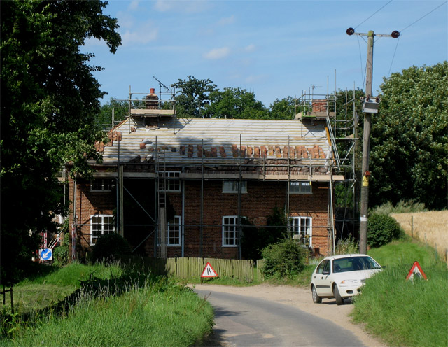 House on Wall's Lane near Lake