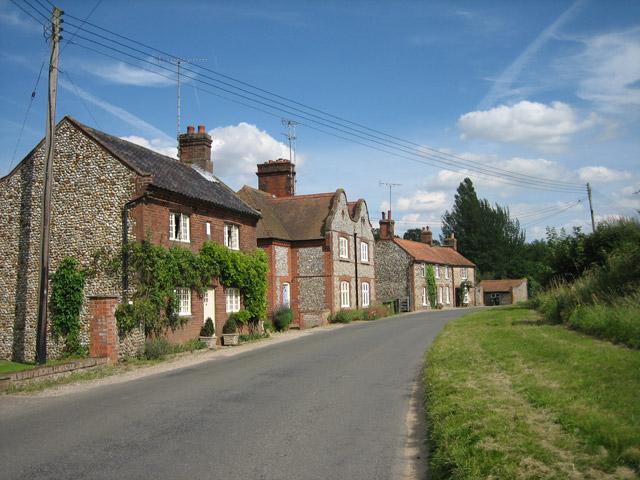 Houses along Blakeney Road, Letheringsett