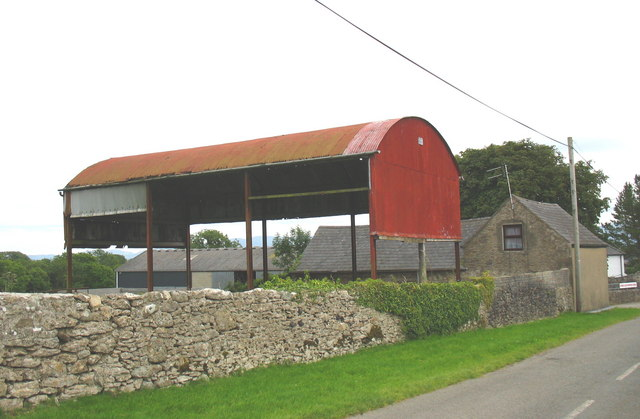 Farm buildings at Cae' r Mynydd