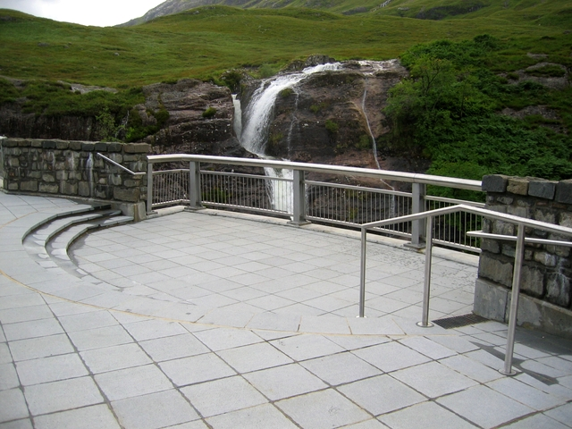 New viewing gallery at the Lairig Eilde Bridge