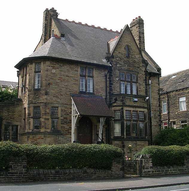 St Cuthbert's Presbytery - Wilmer Road