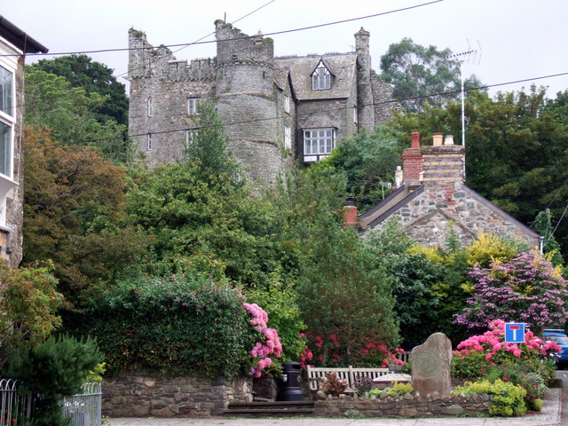 Castell Drefdraeth/Newport castle in summertime