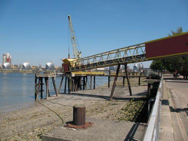 Riverside crane