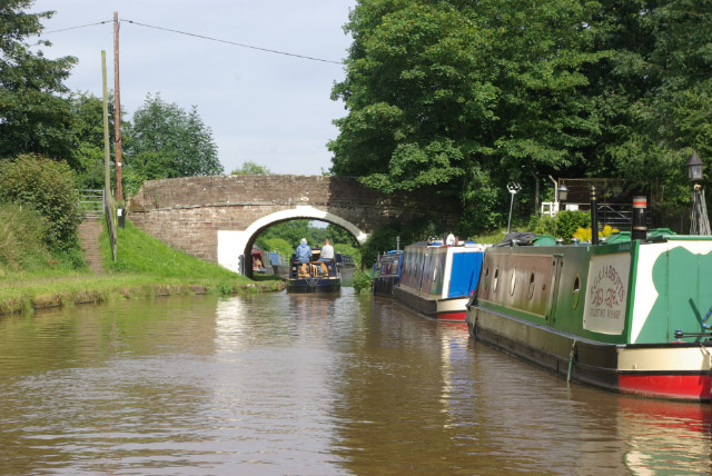 Shropshire Union Canal approaching Goldstone Wharf