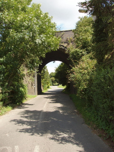 Railway bridge over Derehams Lane, Loudwater