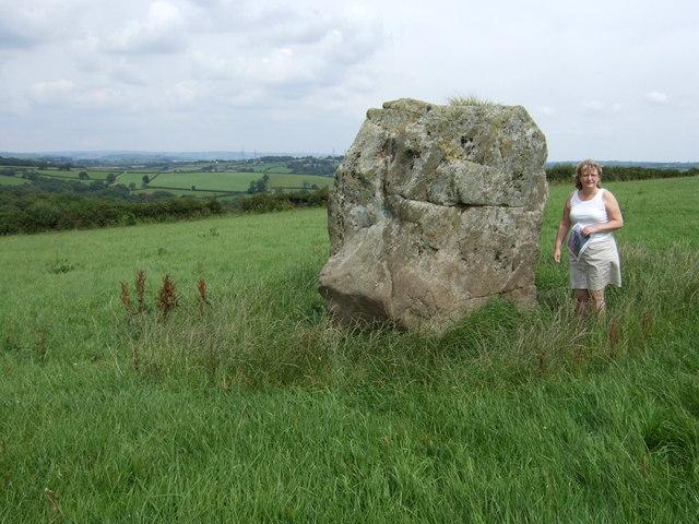 Maen Llwyd standing stone