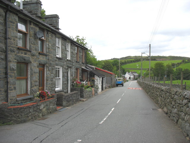 Cottages at the western end of Station Road