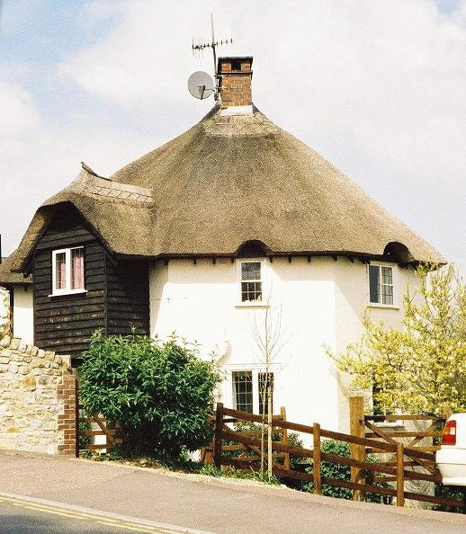 Lyme Regis: polygonal cottage