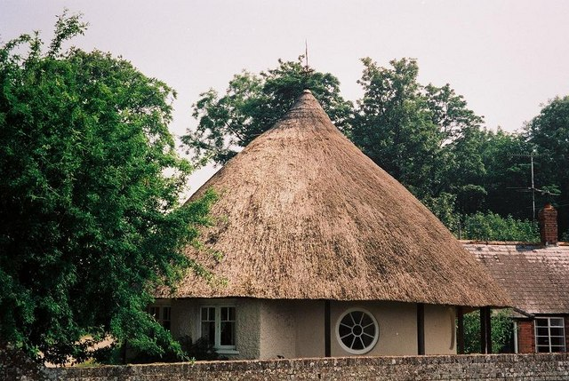 Charborough Park: thatched round lodge