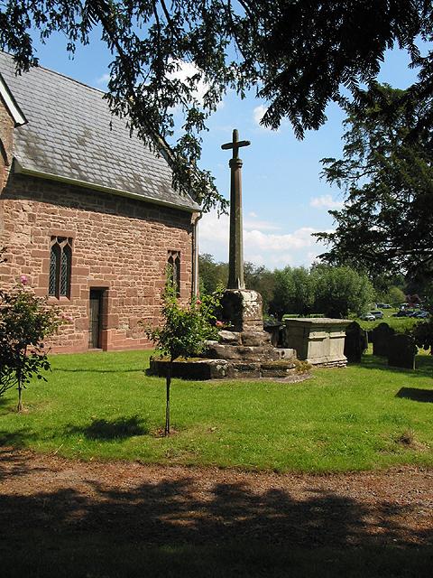 Churchyard cross, Sellack