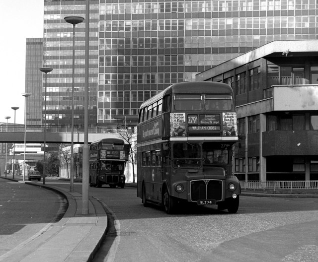Routemasters on London Wall