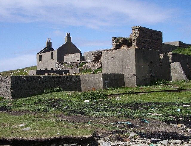 Ruin on the shore of Aith Voe