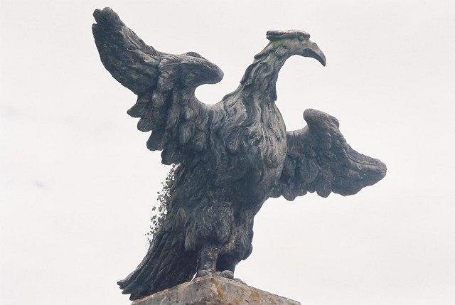 Mapperton: eagle detail