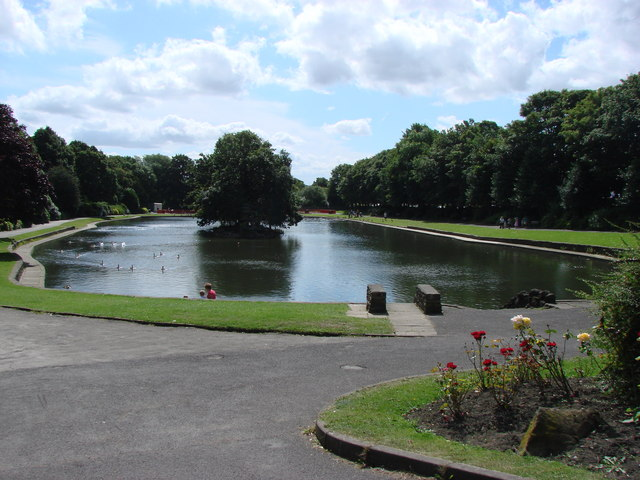 Wilton Park Lake, seen from the main driveway into the park.
