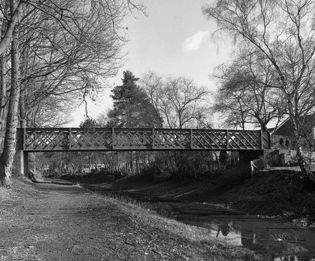 Sheets Heath Bridge, Basingstoke Canal