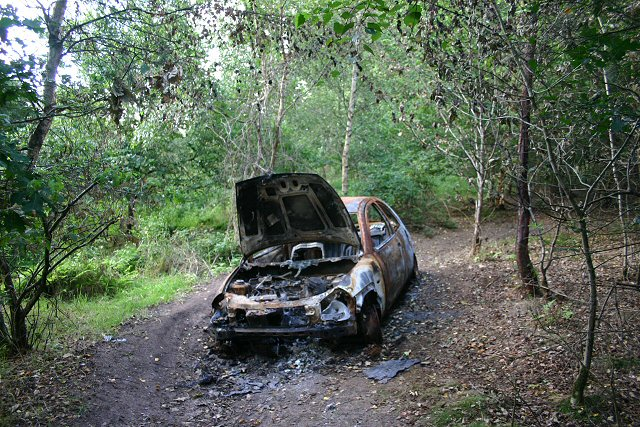Burnt-out car on Little Ouse Path