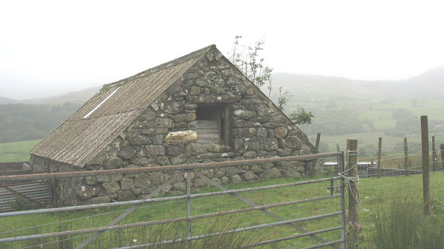 Stone barn and improvised sheepfold