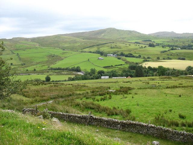Fields above Fad-filltir Farm