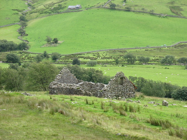 Ruined barn above Fad-filltir