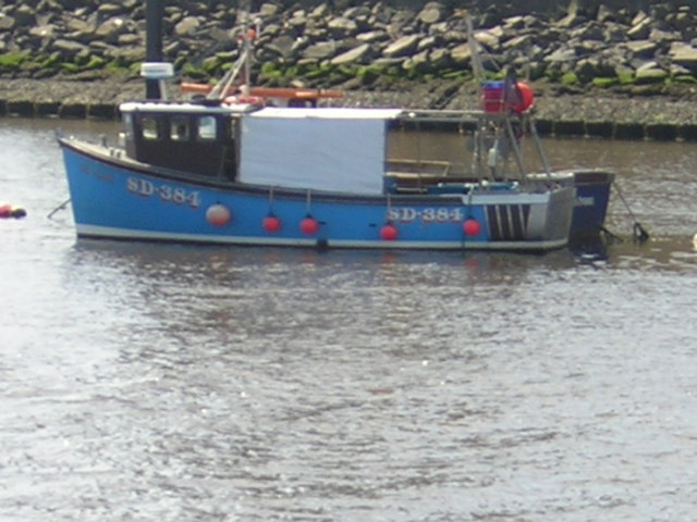 Small fishing boat on River Wear